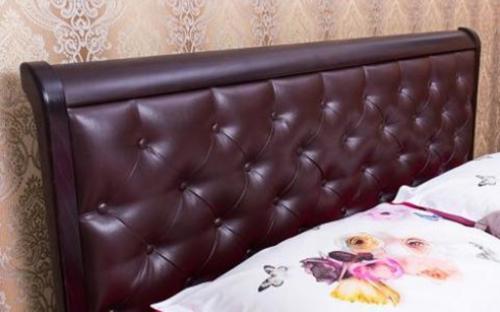 Двуспальная кровать из натурального дерева бук